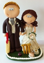 personalised wedding cake topper from GooglyGifts