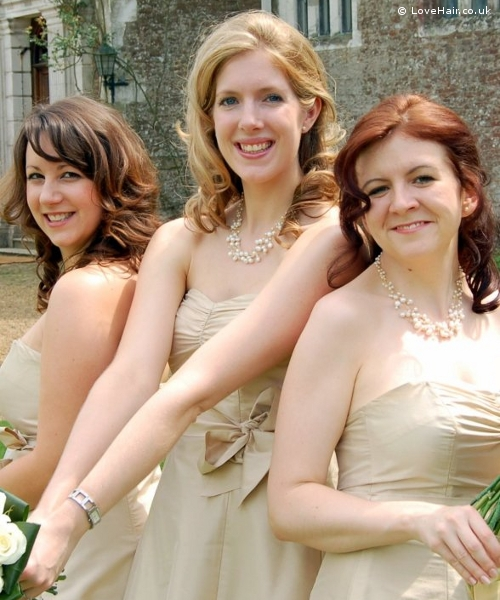 Bridesmaids with vintage style hair do's